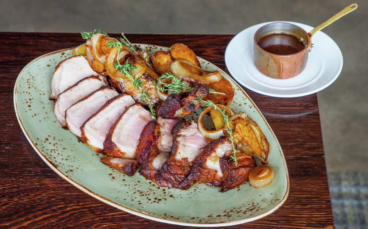 Triniti: Pork chop for two with cider brine and cider-glazed apples