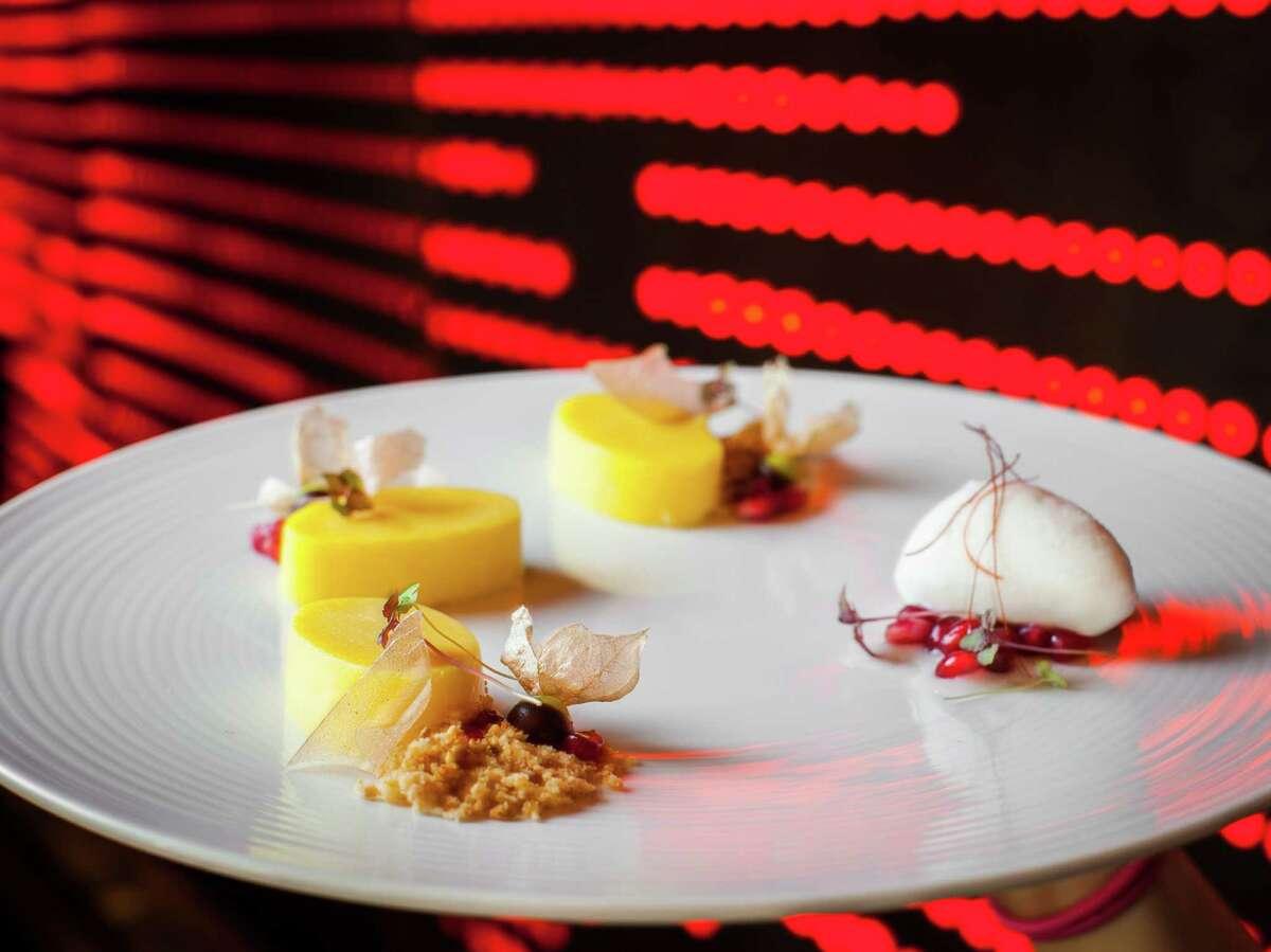 Kuu: Sorbet and gelato dessert