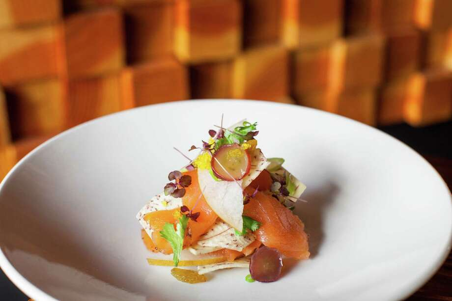 Kuu: Kun Seitaro (smoked salmon and taro chip) Photo: Nick De La Torre, For The Chronicle / ONLINE_YES