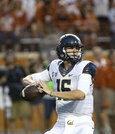 California quarterback Jared Goff looks to throw during the first half of the game against the Texas Longhorns. Photo: Michael Thomas, Associated Press
