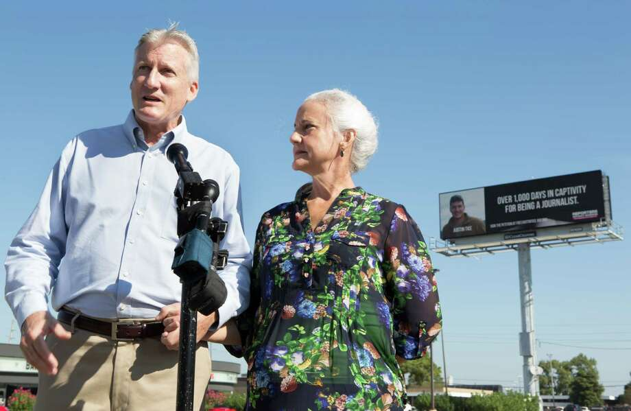 Marc and Debra Tice, parents of the journalist Austin Tice, urged Houstonians to remember their captive son.   Photo: Cody Duty, Staff / © 2015 Houston Chronicle