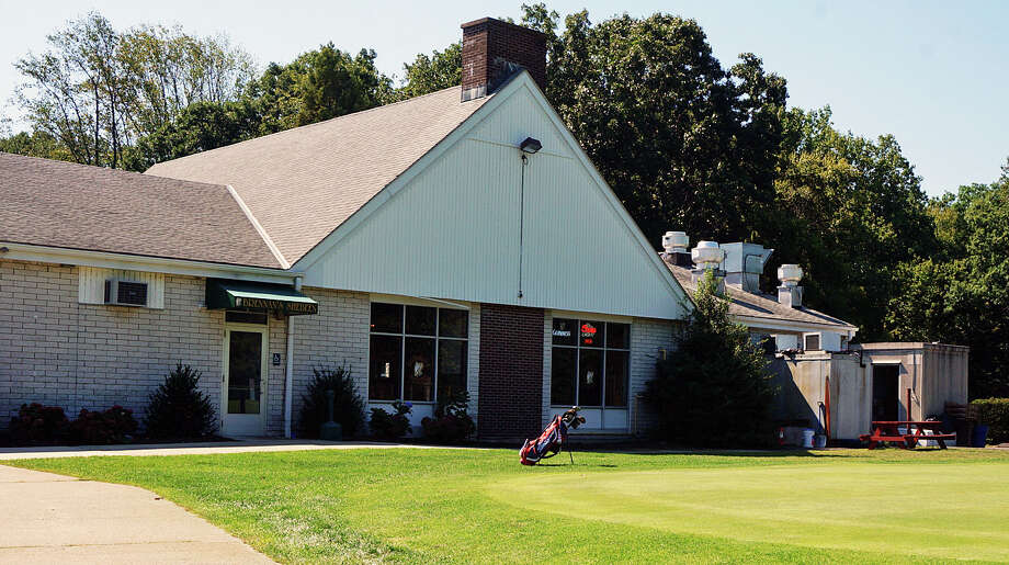 The Golf Commission wants to update the clubhouse at the H. Smith Richardson Golf Course. Photo: Genevieve Reilly /Fairfield Citizen / Fairfield Citizen