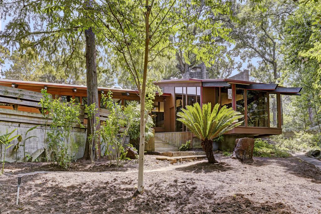 Famous Midcentury Modern Home In River Oaks Hits The
