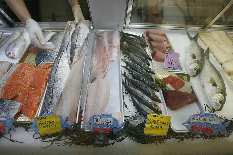 New UC Davis study finds significant amount of synthetic clothing fibers in fish caught off Northern California and sold at markets for public consumption. Photo: Michael Macor, SFC