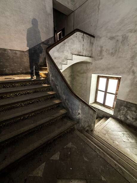 Do spirits roam your home? Share your story for our story. Photo: Getty Images / Moment RF