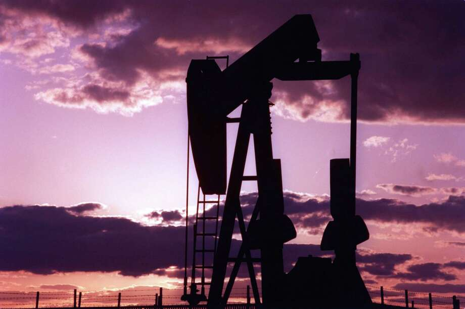 A darkening oil industry landscape is sending some companies into bankruptcy. (Houston Chronicle file photo) Photo: Kevin Fujii, Staff / Houston Chronicle