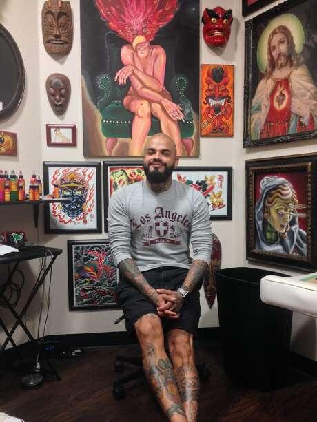 Tattoo artist Drew De La Fuente Photo: Meredith Hayashi /San Antonio Express-News