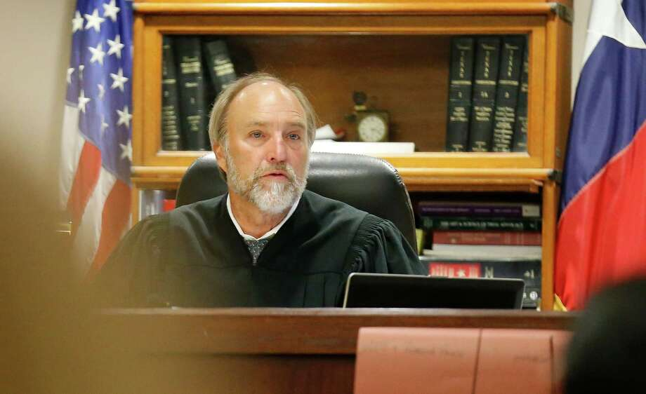 Bexar County District Judge Sid Harle is by far the best Republican candidate for the Texas Court of Criminal Appeals, Place 5 post. Harle has an impressive amount of experience and has served on the State Commission on Judicial Conduct. Photo: Kin Man Hui /San Antonio Express-News / ©2015 San Antonio Express-News