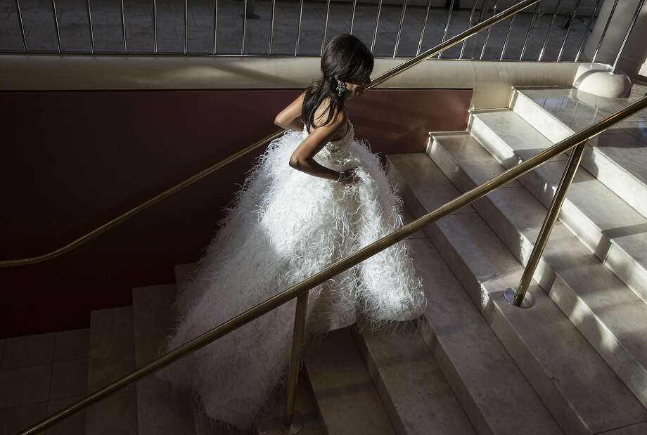 Komal Shah walks up the steps of Davies Symphony Hall after arriving to attend the San Francisco SymphonyÕs 2015 Opening Gala in San Francisco, Calif., on Thursday, September 24, 2015. Photo: Laura Morton, Special To The Chronicle