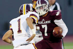 E-N Game of the Week: (3) Sam Houston vs. (9) Highlands - Photo