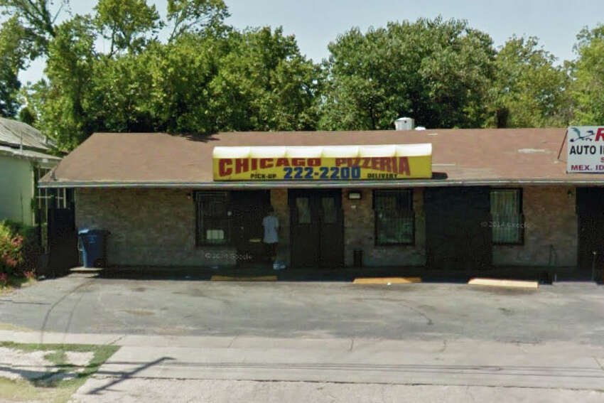 CHICAGO PIZZERIA: 1704 IH 35 N San Antonio , TX 78208Highlights: Inspector saw live roaches in establishment, reach-in cooler was off temperature, handsink in restroom does not have soap or towels.