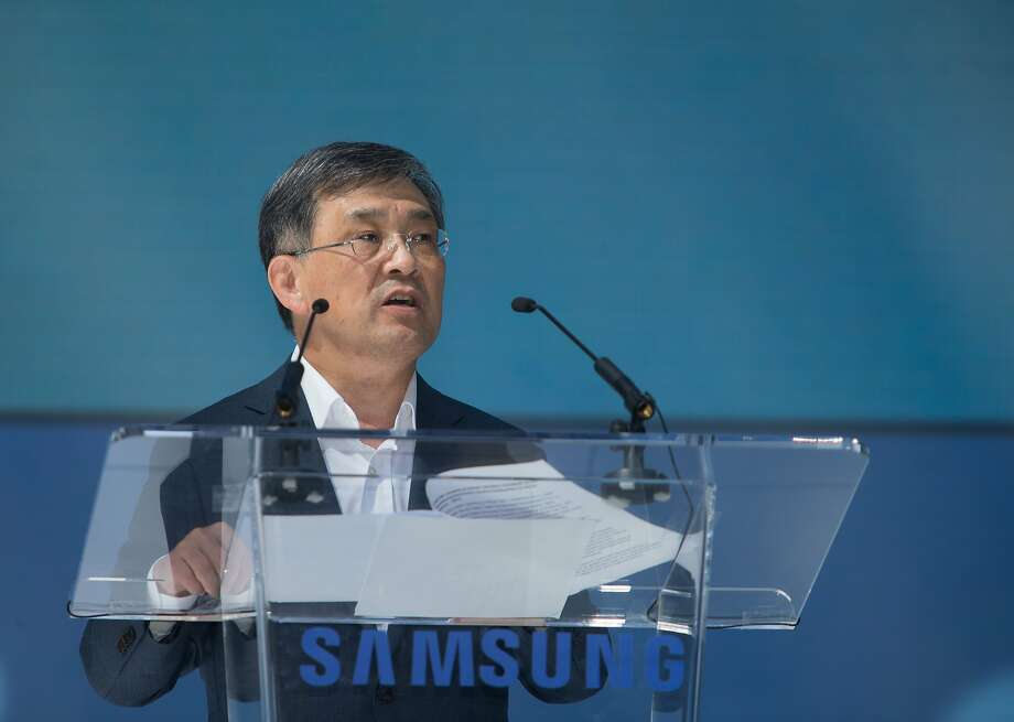O.H. Kwon, Chief Executive Officer and Vice Chairman of Samsung Electronics, addresses the crowd at Samsung's opening ceremonies of a new 1.1 million square foot research and development, sales and marketing center on Thursday, Sept. 24, 2015 in San Jose, Calif. Photo: Nathaniel Y. Downes, The Chronicle