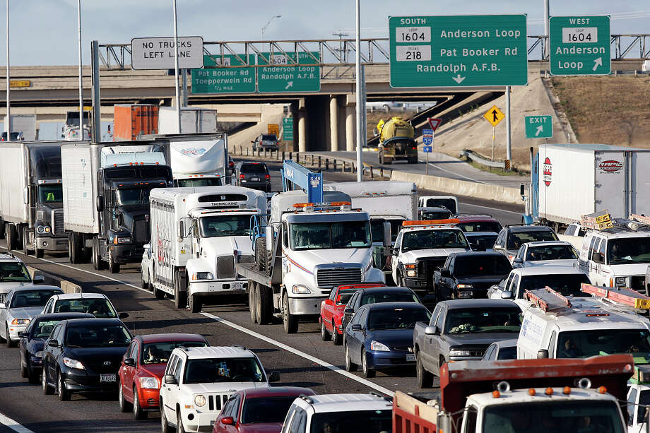 Officials in Cibolo and Schertz are talking about addressing the area's transportation issues without the possibility of toll roads. Photo: Jerry Lara /San Antonio Express-News / glara@express-news.net