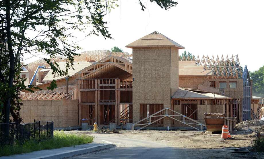 Construction continues Thursday, Sept. 17, 2015, at Valley Glen, a 262-unit apartment complex on a 13-acre site at 740 Bridgeport Avenue in Shelton, Conn. Photo: Autumn Driscoll / Hearst Connecticut Media / Connecticut Post