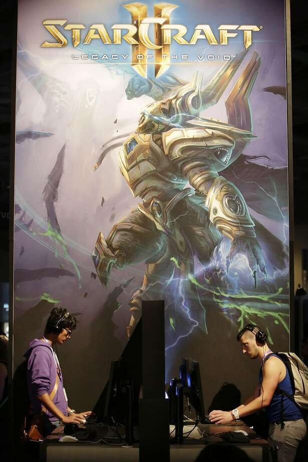 Twitchcon attendees play Starcraft II: Legacy of the Void   during Twitchcon at Moscone West on Friday, September 25, 2015 in San Francisco, Calif. Photo: Lea Suzuki, The Chronicle