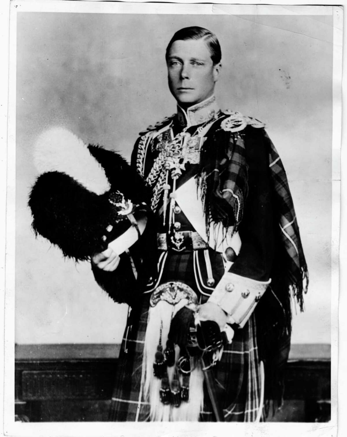 Birth Edward Albert Christian George Andrew Patrick Davidwas born on June 23, 1894 to King George V and Queen Mary.He was called David.