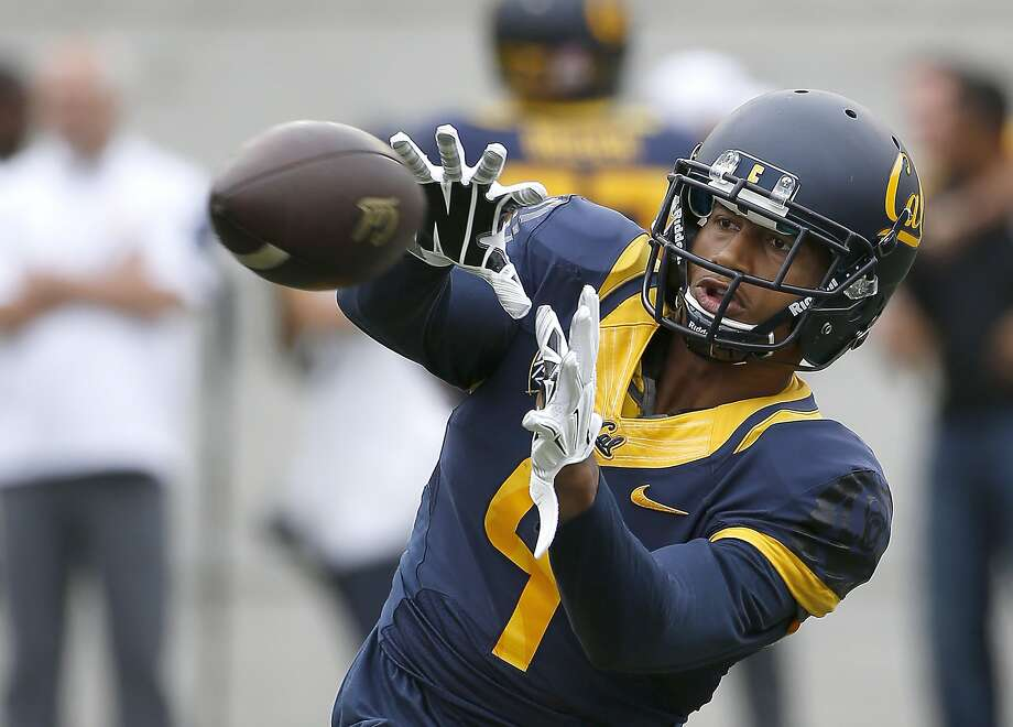 California wide receiver Trevor Davis (9) warms up prior to an NCAA football game against San Diego State Saturday, Sept. 12, 2015, in Berkeley, Calif. California won 35-7. (AP Photo/Tony Avelar) Photo: Tony Avelar, Associated Press