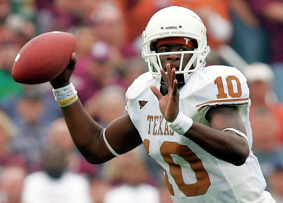 Texas quarterback Vince Young looks to throw a pass against Texas A&M during the first quarter in College Station on Nov. 25, 2005. Photo: David J. Phillip /Associated Press / AP