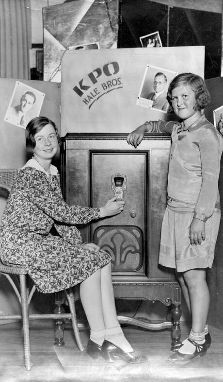 Bernice Baumgartner and Edith Nare listen to radio KPO in 1930. KPO was one of four new stations in S.F. in 1922. KPO was owned by Hale Bros. department store and broadcast at the Fairmont Hotel. / ONLINE_YES