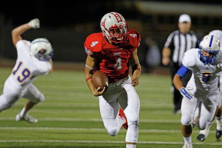Judson's Jay Miller scores a 27 yard TD in 2nd quarter. District 25-6A high school football game between Judson and Clemens at Rutledge Stadium on September 25, 2015. Photo: Ron Cortes