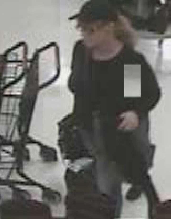 Released photo of suspect in Wilton larceny