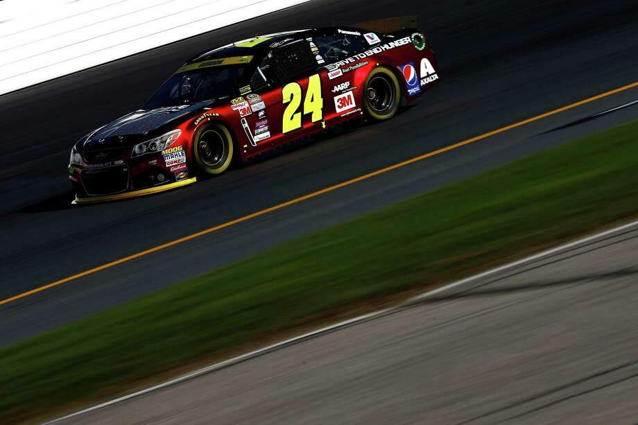 LOUDON, NH - SEPTEMBER 26:  Jeff Gordon, driver of the #24 Drive To End Hunger Chevrolet, practices for the NASCAR Sprint Cup Series Sylvania 300 at New Hampshire Motor Speedway on September 26, 2015 in Loudon, New Hampshire.  (Photo by Jeff Zelevansky/Getty Images) ORG XMIT: 580820301 Photo: Jeff Zelevansky / 2015 Getty Images