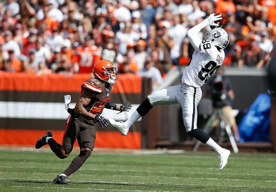 CLEVELAND, OH - SEPTEMBER 27:  Amari Cooper #89 of the Oakland Raiders makes a catch in front of Joe Haden #23 of the Cleveland Browns during the first quarter at FirstEnergy Stadium on September 27, 2015 in Cleveland, Ohio.  (Photo by Joe Robbins/Getty Images) Photo: Joe Robbins, Getty Images