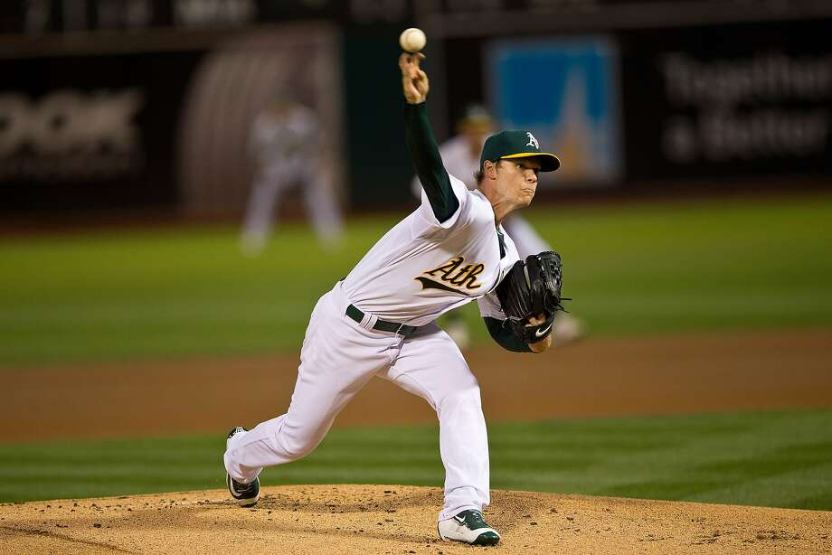 OAKLAND, CA - SEPTEMBER 25: Sonny Gray #54 of the Oakland Athletics pitches against the San Francisco Giants during the first inning at O.co Coliseum on September 25, 2015 in Oakland, California. (Photo by Jason O. Watson/Getty Images) Photo: Jason O. Watson, Getty Images