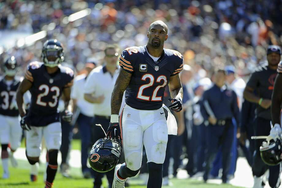 Chicago Bears running back Matt Forte (22) runs off the field at halftime during an NFL football game against the Arizona Cardinals, Sunday, Sept. 20, 2015, in Chicago. (AP Photo/David Banks) Photo: David Banks, Associated Press