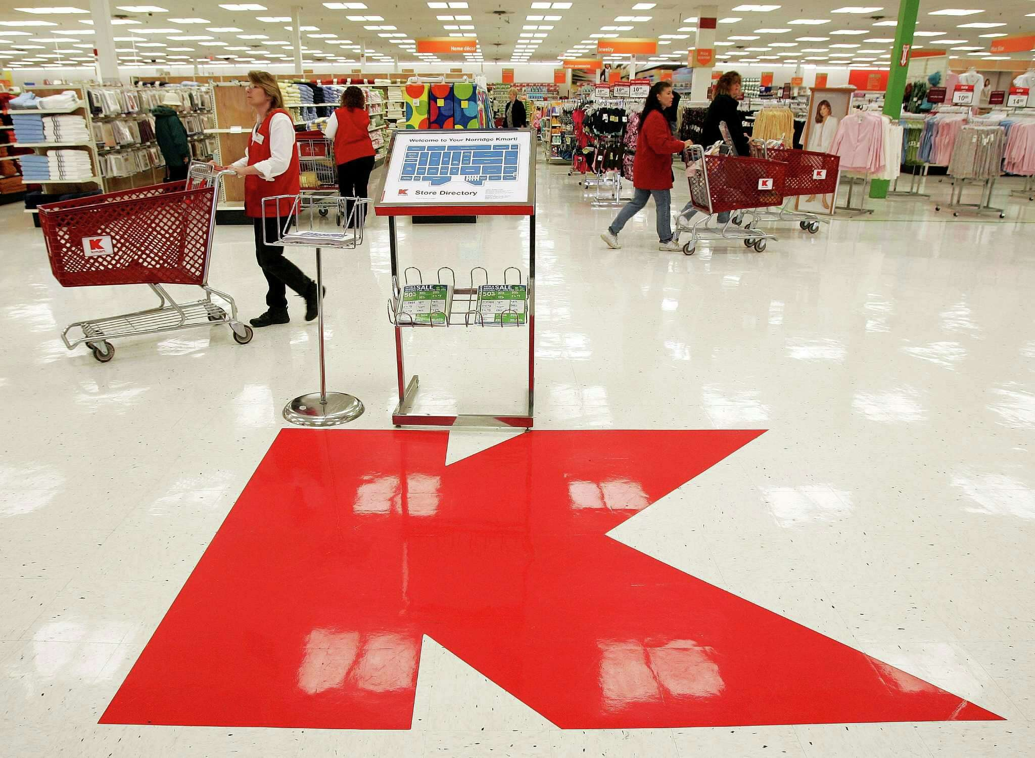 ce12a91e935faa Kmart employees believe the company is nearing bankruptcy and is in the  process of shutting down all its stores. p The chain has closed one-third  of its ...