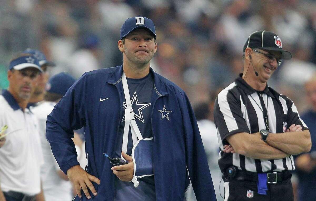 Injured Dallas Cowboys quarterback Tony Romo watches from the sideline on Sunday, Sept. 27, 2015, at AT&T Stadium in Arlington, Texas. (Khampha Bouaphanh/Fort Worth Star-Telegram/TNS)