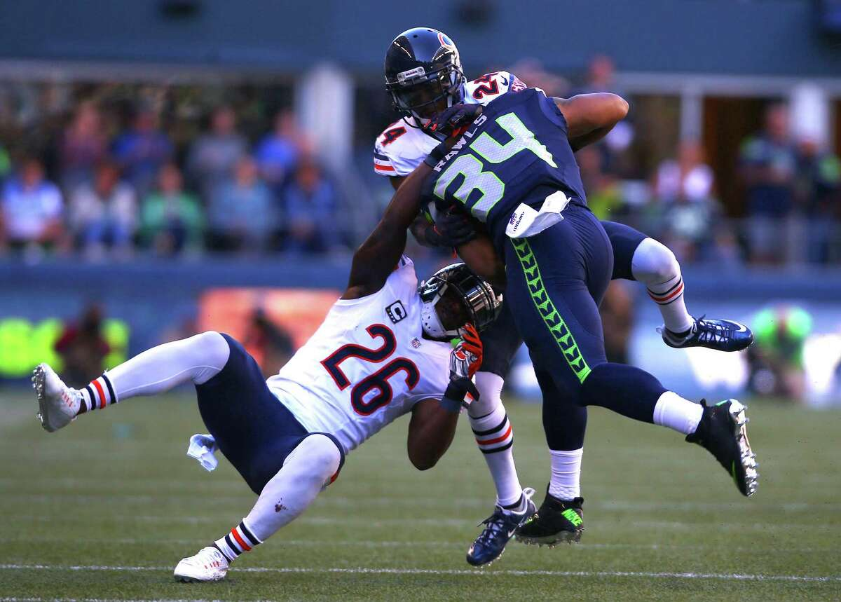 Running backs: With Marshawn Lynch out for all but a few plays in the first half, undrafted rookie Thomas Rawls was a revelation. The 5-foot-9, 215-pounder ran decisively and with power, picking up 104 yards on just 16 carries. He was particularly effective as Seattle pulled away in the third quarter, with seven rushes for 54 yards. Fullback Derrick Coleman was impressive, excelling as a lead blocker and on special teams. Grade: A+