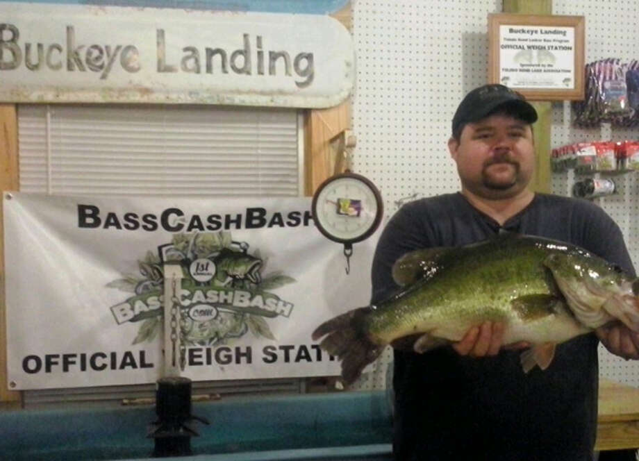 Bass Cash Bass Lunker Division winner Daniel Burnett with his 11.62 lunker. courtesy photo