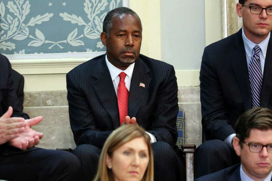Republican presidential candidate Ben Carson listens as Pope Francis addresses a joint meeting of the U.S. Congress. The reason Carson has risen in the polls, a reader contends, is because he is a gentleman who practices self restraint. Photo: Chip Somodevilla /Getty Images / 2015 Getty Images