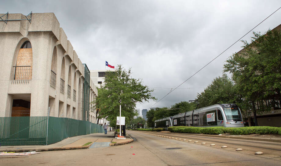 PM Realty Group is planning residential and retail development along the Main Street rail line.  Photo: Cody Duty, Staff / © 2015 Houston Chronicle