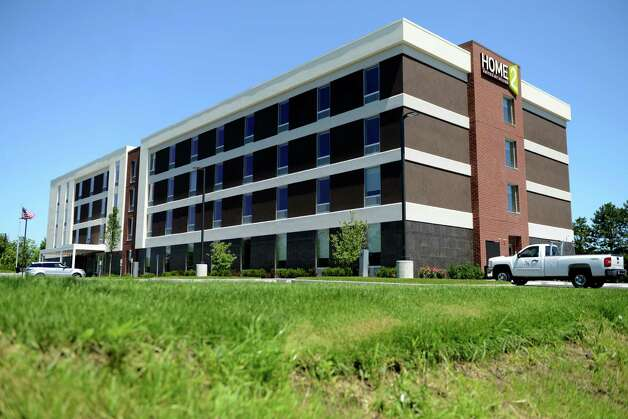 Exterior of the new Home2 Suites by Hilton hotel Monday, July 20, 2015, in Colonie, N.Y. (Will Waldron/Times Union) ORG XMIT: MER2015072013104558 Photo: WW / 00032675A