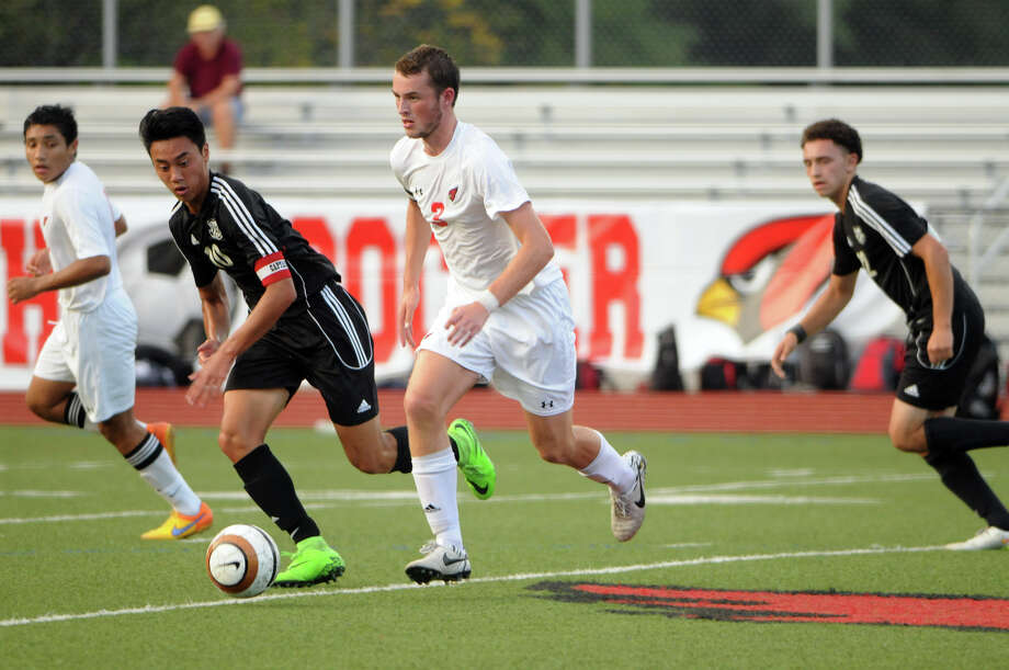Greenwich's Nick Bartels in action as Greenwich High hosts Trumbull in a boys soccer game at the school in Greenwich, Conn., Sept. 28, 2015. Photo: Keelin Daly / For Hearst Connecticut Media / Keelin Daly