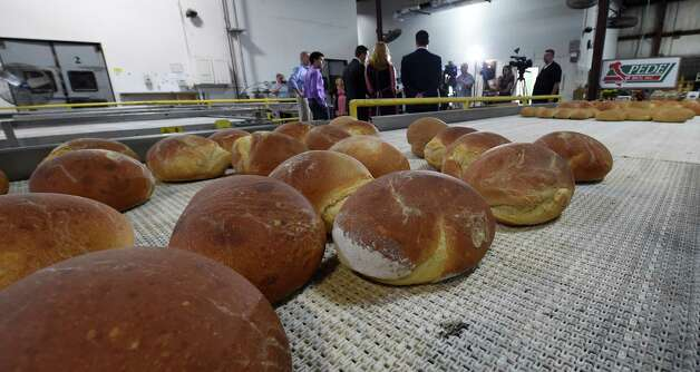 Fresh bred rolls out of the ovens at Mastrioanni Brothers Bakery during a press conference announcing the Taste of Schenectady during Manufacturing Week Monday, Sept. 28, 2015, in Schenectady, N.Y.  (Skip Dickstein/Times Union) Photo: SKIP DICKSTEIN / 00033523A