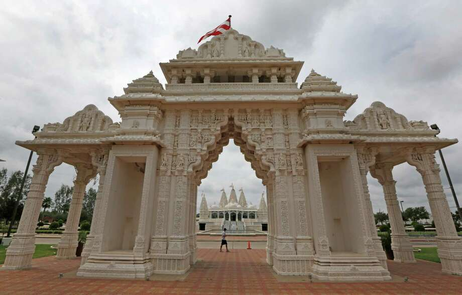 Sugarland/Stafford: BAPS Shri Swaminarayan Mandir 1150 Brand Lane, StaffordTucked away in a neighborhood close to Sugar Land, this beautiful Hindu temple is a must-see.  Photo: Steve Gonzales, Houston Chronicle / © 2015 Houston Chronicle
