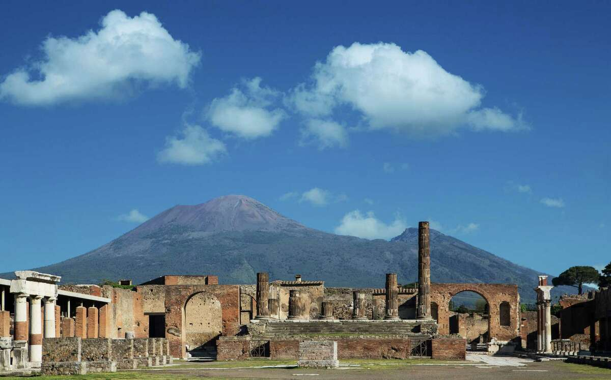 Nice spot! At the time of its destruction, Pompeii was a well-to-do town of about 11,000, a place where Romans built their summer villas, near the sea. In short, it was a vacation spot.