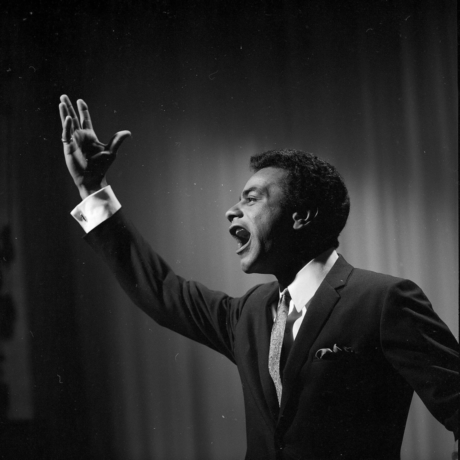 Johnny Mathis performs at the Hollywood Palace in 1967. Photo: ABC Photo Archives