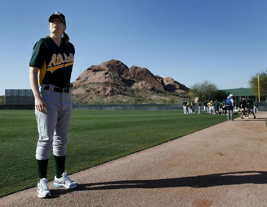 Justine Siegal waits for her chance to pitch batting practice to the Oakland A's in 2011. Photo: Brant Ward, The Chronicle