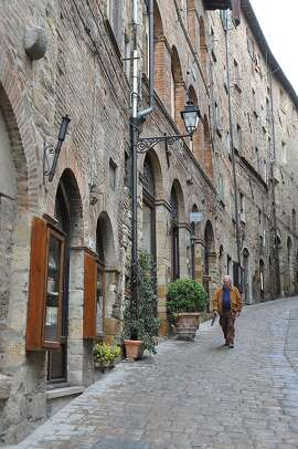 Beautifully preserved, Volterra is small enough to be mostly traffic-free, yet big enough to have good sightseeing and plenty of restaurants.