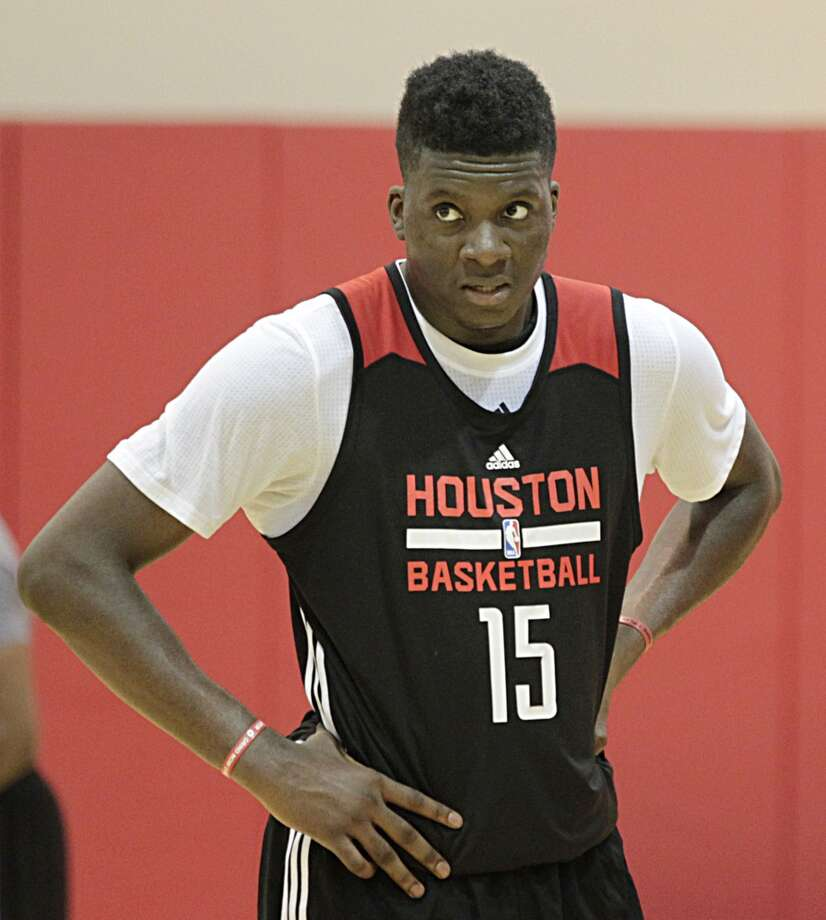 Clint Capela is expected to take over as the Rockets' starting center this fall. Photo: James Nielsen, Houston Chronicle