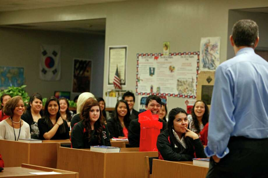U.S Secretary of Education Arne Duncan takes questions from students in a pre-law class at Fox Tech High School in 2012 during the White House Hispanic Community Action Summit. Photo: Lisa Krantz /San Antonio Express-News / @San Antonio Express-News