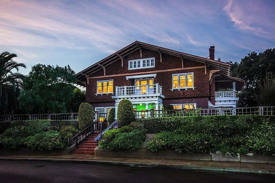A 1909 Julia Morgan home in Vallejo, Calif., features splendid architectural details and Bay views. Photo: Jason Born