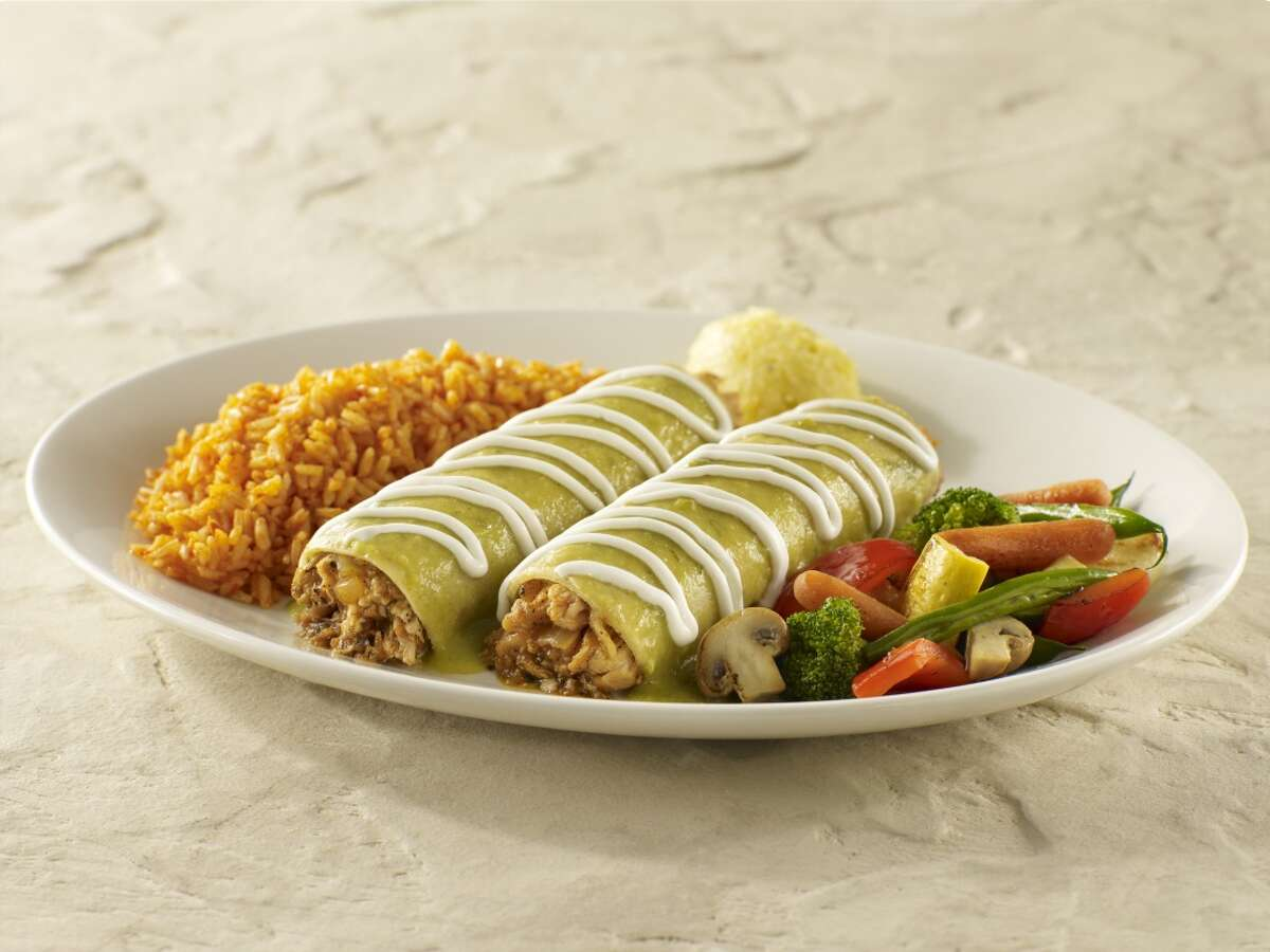 Tex-Mex vs. Mexican Food Traditional enchiladas are covered with green or red sauces and crema.