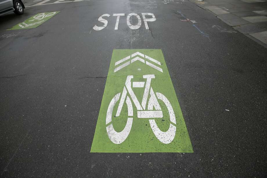 """A sharrow on Pierce Street along """"the wiggle"""" is seen on Wednesday, September 30, 2015 in San Francisco, Calif. The wiggle is a zigzag route between Market Street and Golden Gate Park which passes through the Lower Haight. Photo: Lea Suzuki, The Chronicle"""