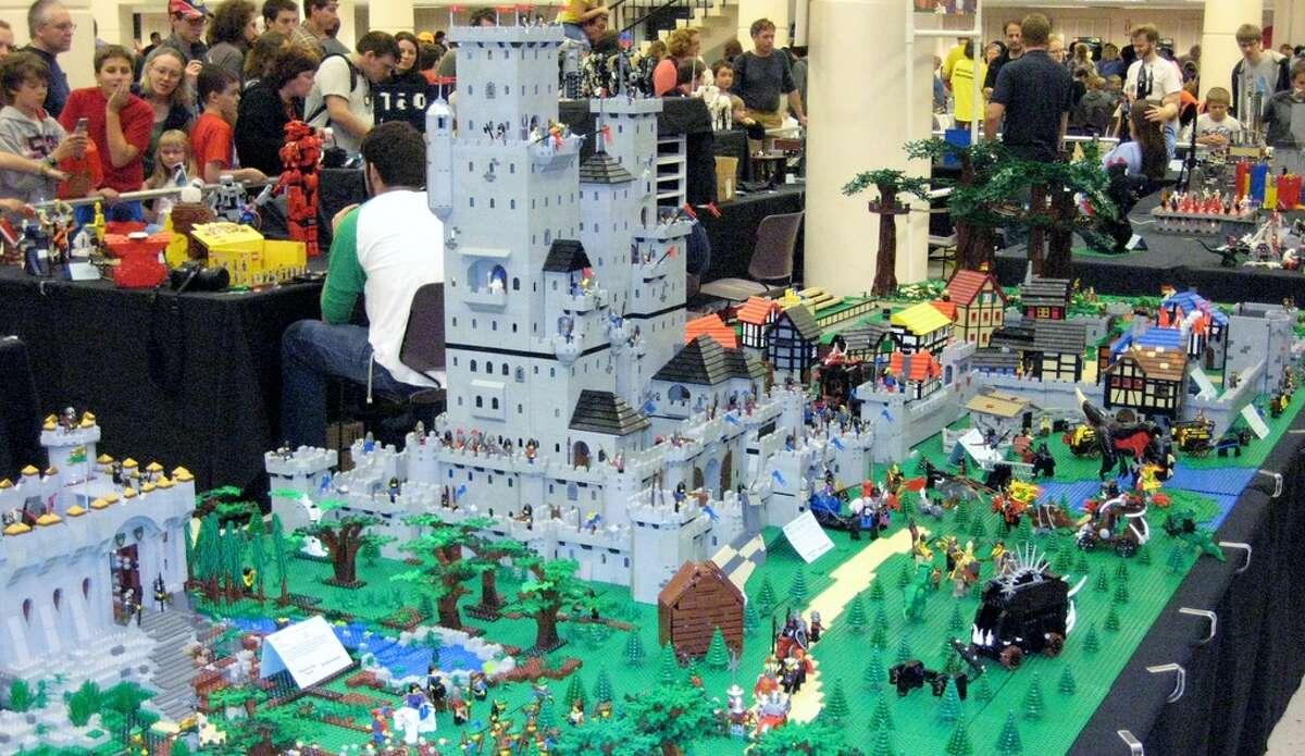 BrickCon: Oct. 3-4