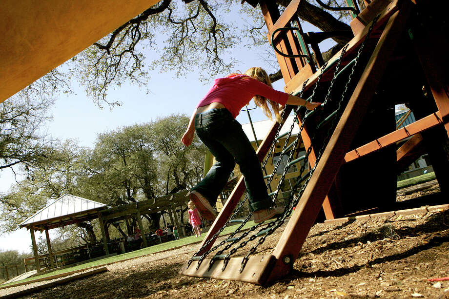 MoMak's, 13838 Jones Maltsberger Road, has a large play area and soccer field for kids to play on while mom and dad are eating. Photo: Kevin Geil /Express-news File Photo / kgeil@express-news.net